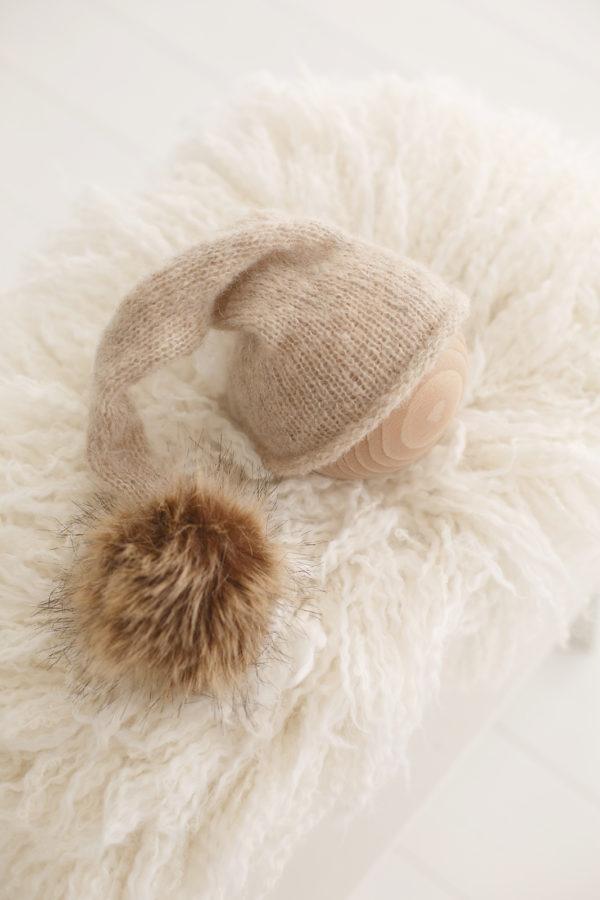 Bonnet-pompon-fait-main-seance-photos-bebe